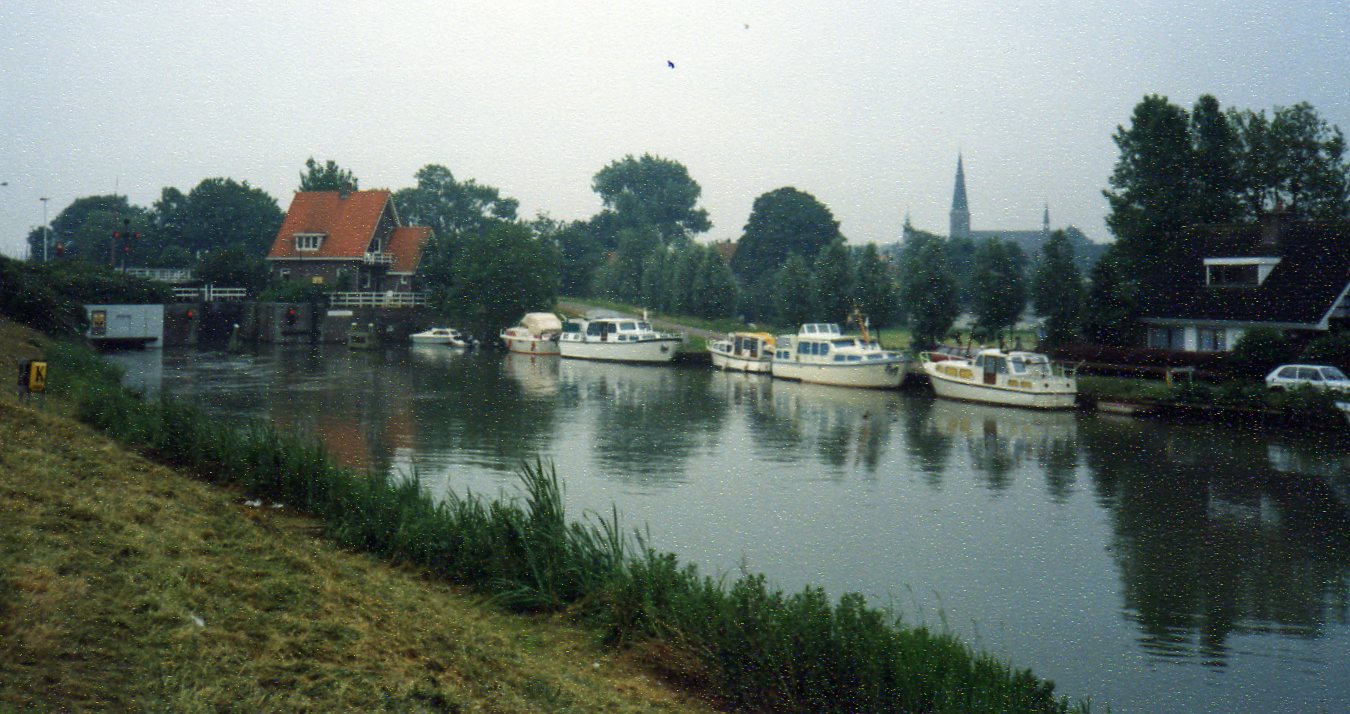 Canals and boats Monickendam -