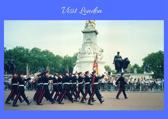 www.roaming-fox.com Visit London.jpg