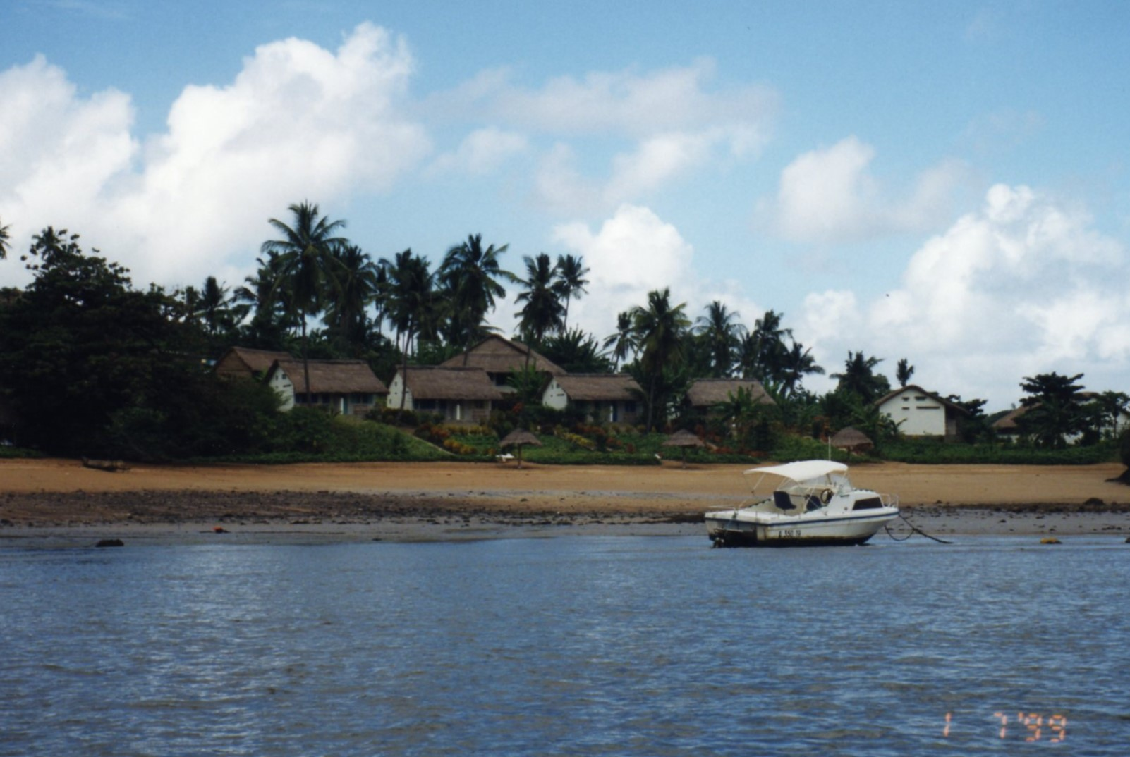 Known as Moheli Bungalows in 1999