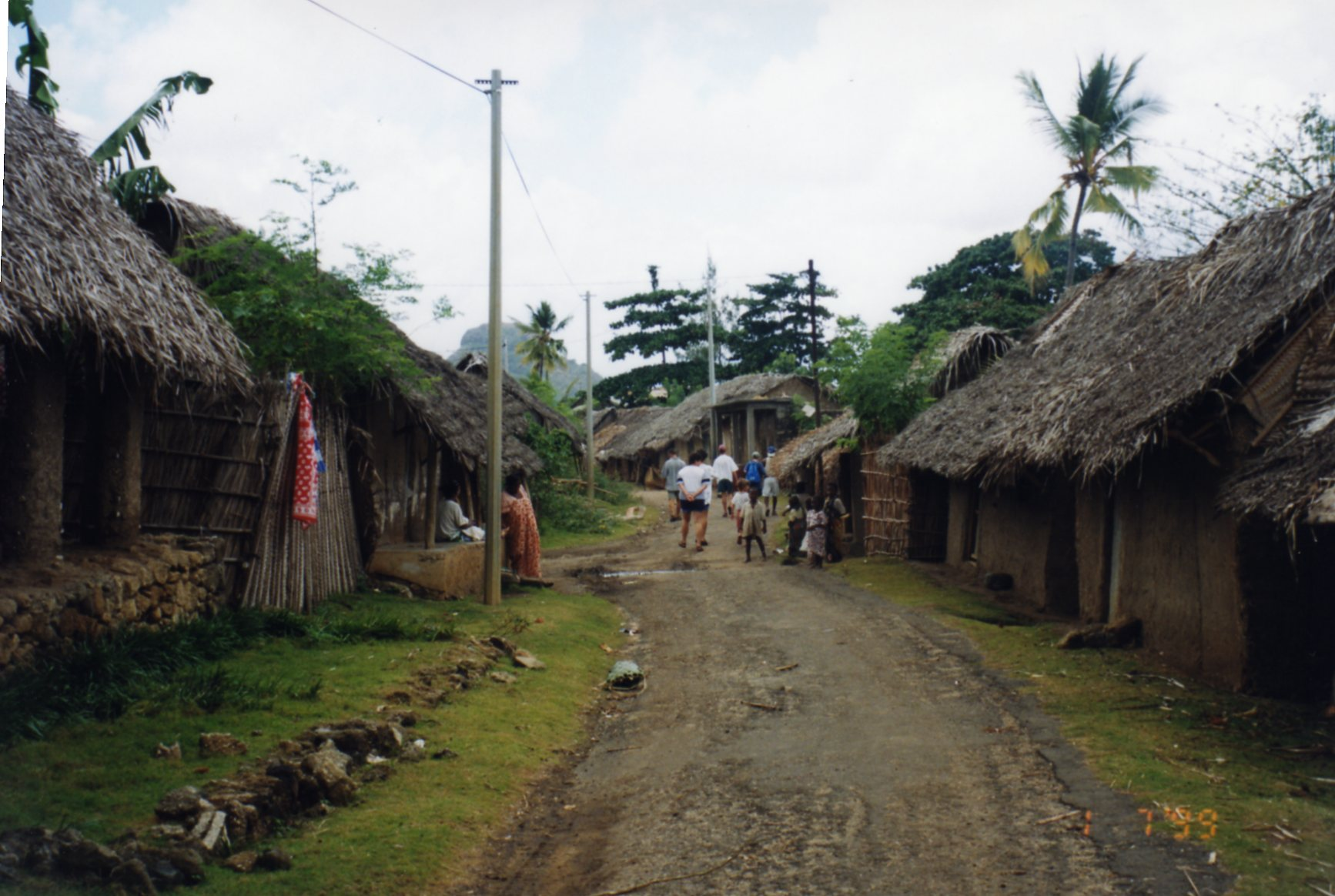 Walking around Nioumachoua with choruses of Bonjour!