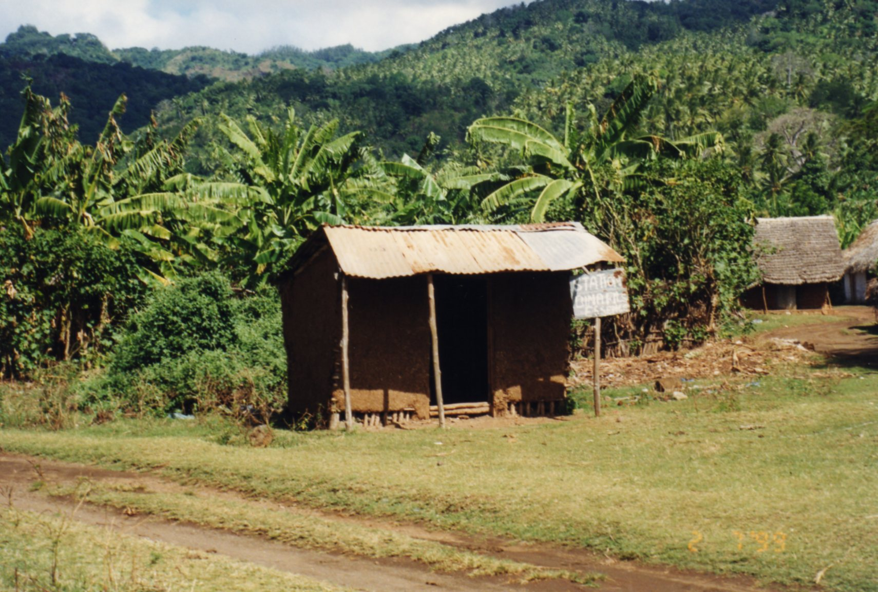 Fuel stop at Fomboni - yes, true story!