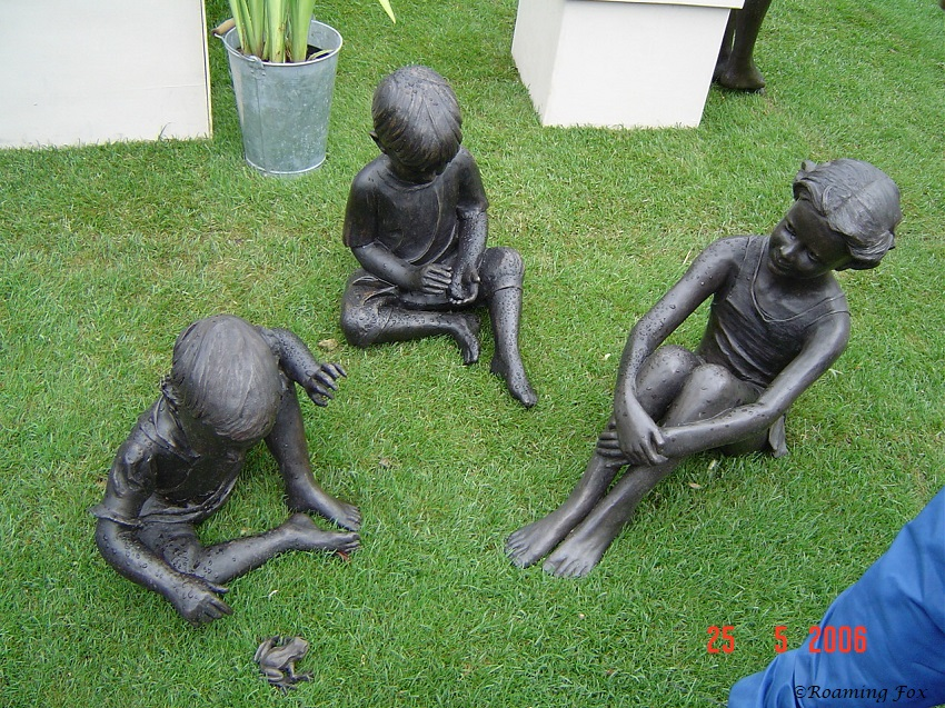 Garden ornaments of children Chelsea Flower Show 2006.JPG