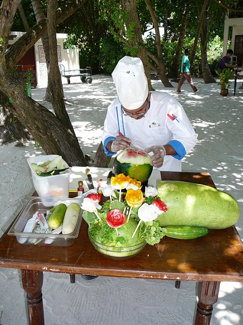 Fruit carving Club Med Kani.JPG