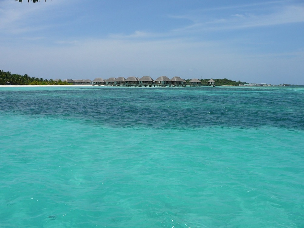 Water bungalows Club Med Kani.JPG