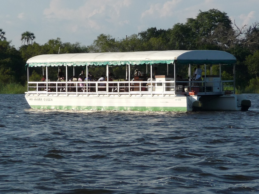 White River boat Cruising Zambezi river.JPG