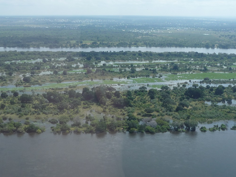 Zambezi River and island under water near Victoria Falls.JPG