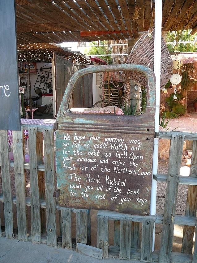 Sign written on car door Pienk Padstal Kakamas.JPG