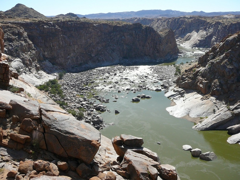 The canyon scoured by the rocks and water