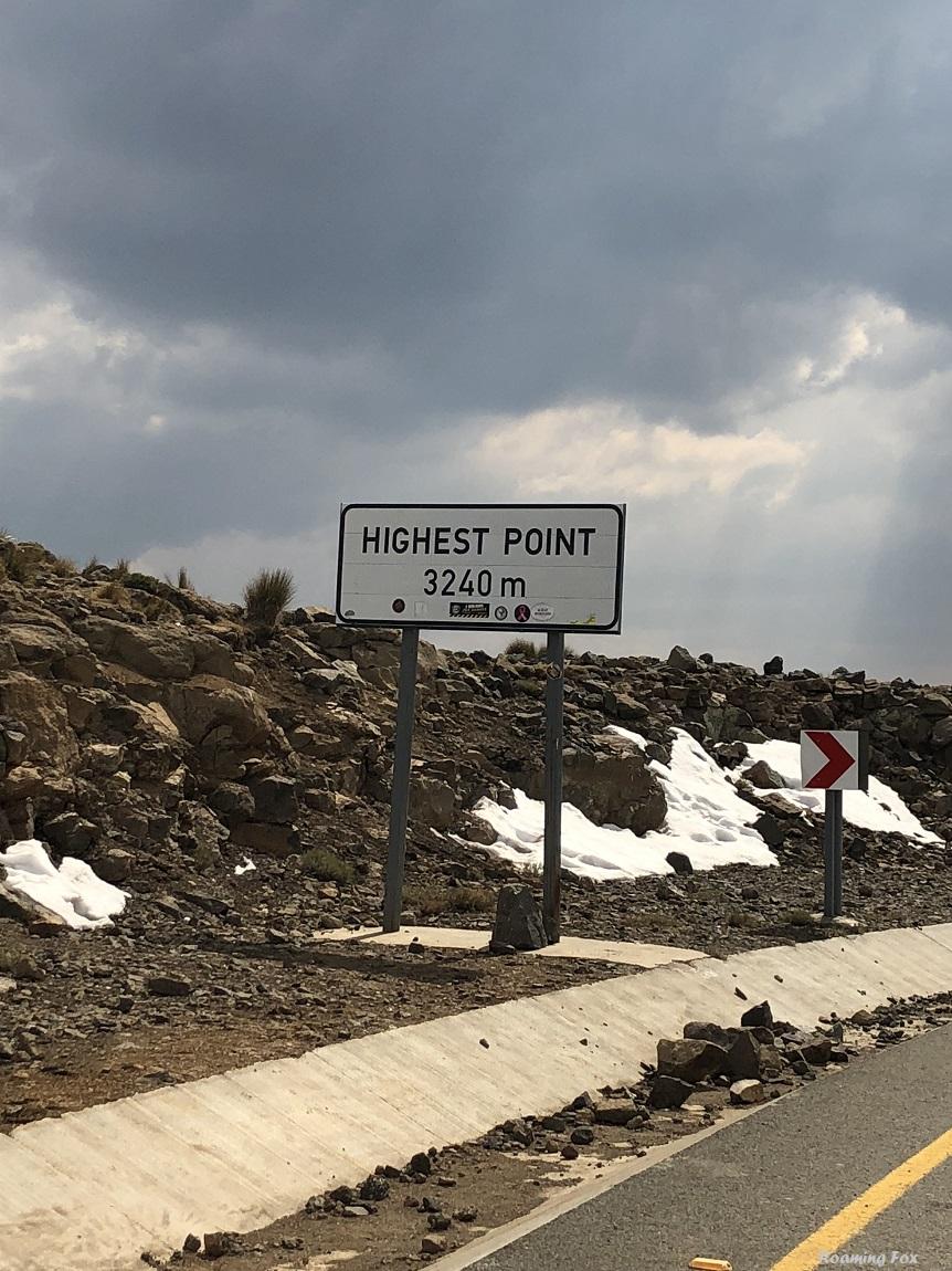 The highest point on Kotisephola or Black Mountain Pass