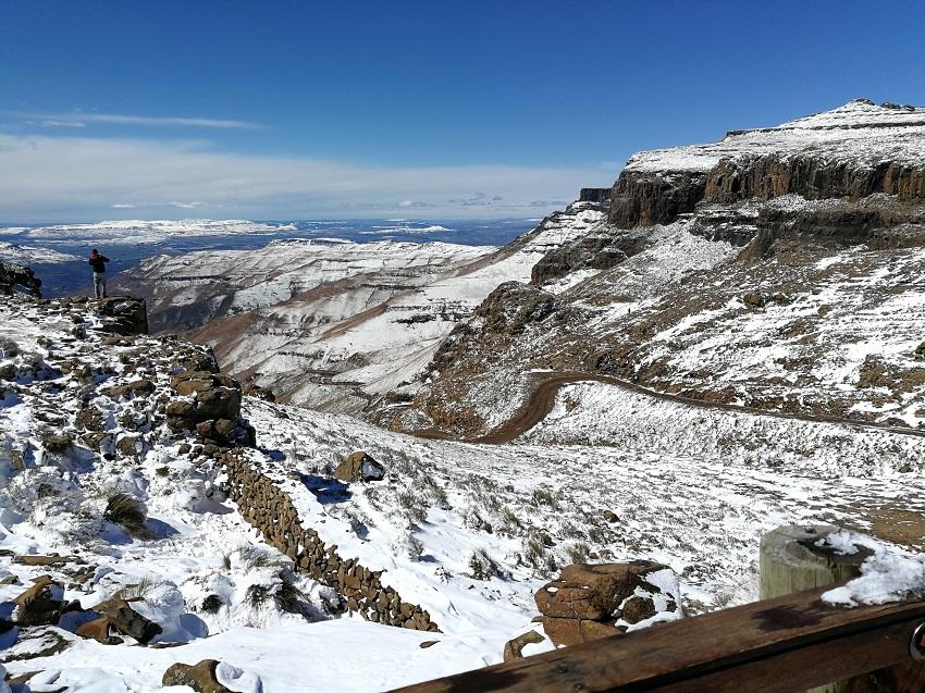 Snow top Sani Pass 1 www.3kids2dogsand1oldhouse.co.za.jpg