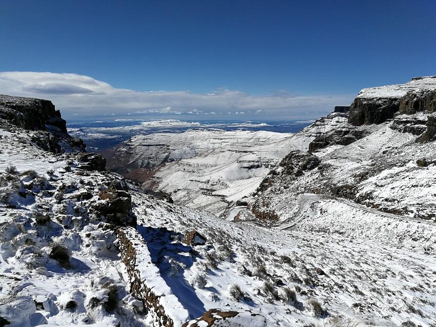 Snow top Sani Pass 2 www.3kids2dogsand1oldhouse.co.za.jpg