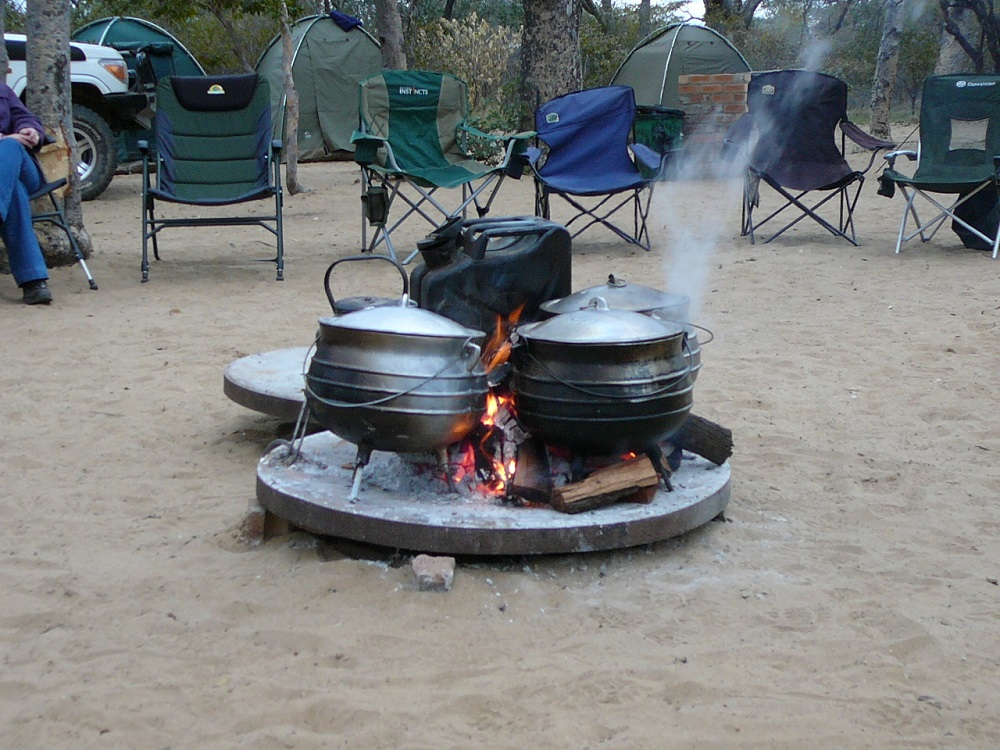 www.roaming-fox.com three legged pots and fire.JPG