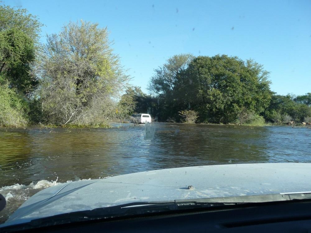 www.roaming-fox.com driving through water Okavango.JPG