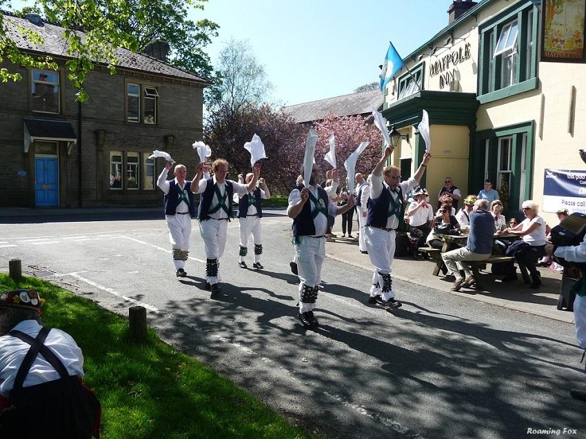 Men waving their hankies