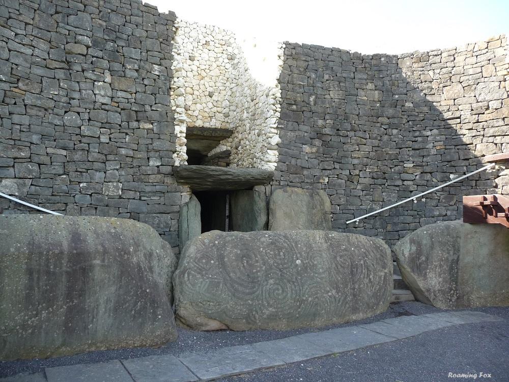 Boyne Valley New Grange Stone Age Irish Tomb 3.JPG