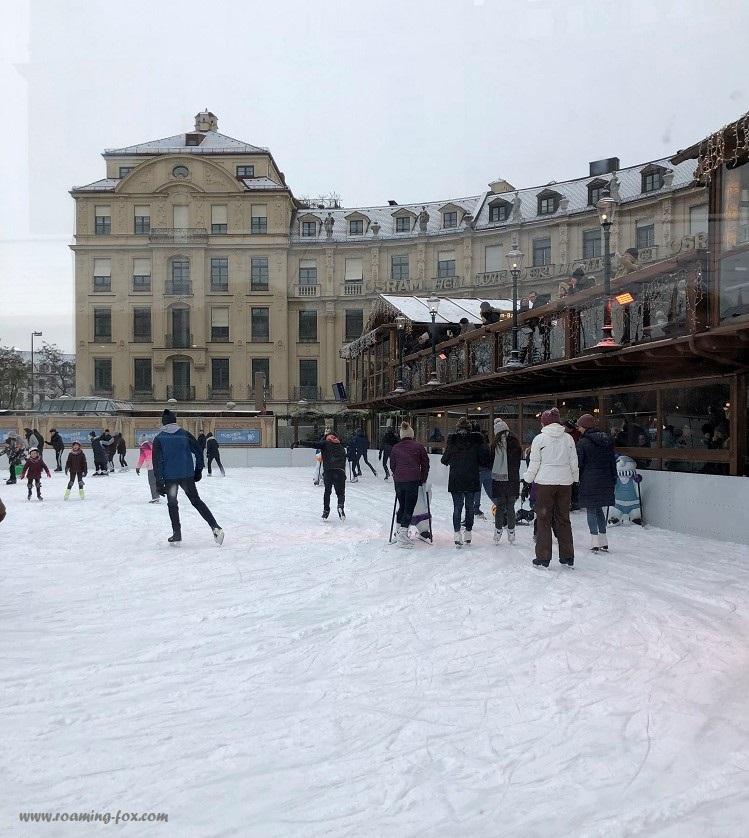 Eiszauber, Karlsplatz Stachus - Open air ice skating rink