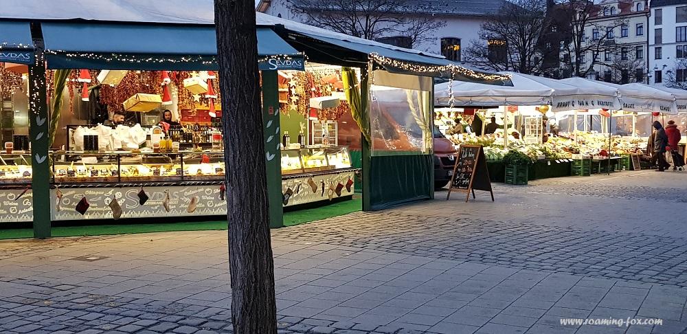 Food stalls Viktualienmarkt Munich  3.jpg