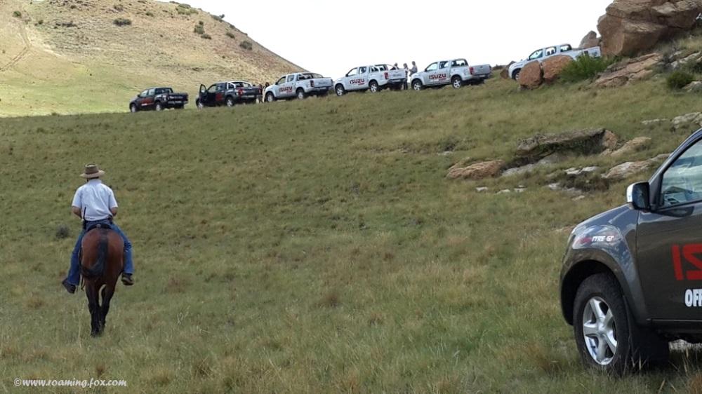 Isuzus in line on Langesnek 4x4 trail