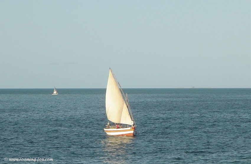 Dhow sailing across the bay at Vilanculos
