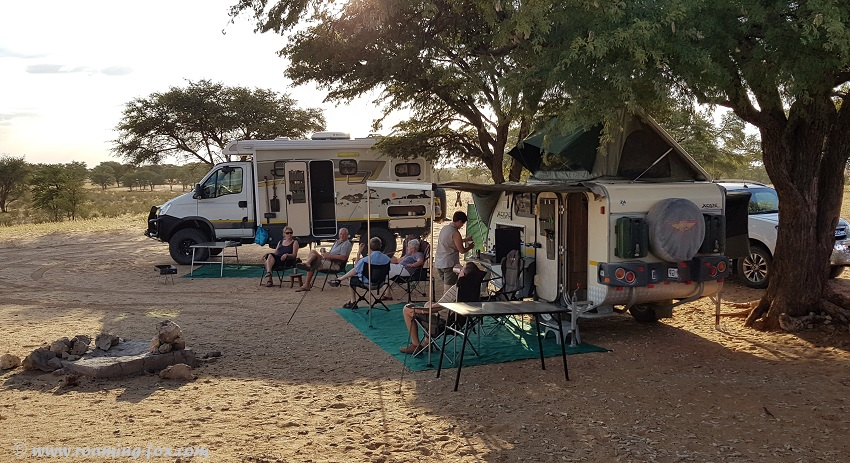 Luxury and semi-luxury camping at Rooiputs
