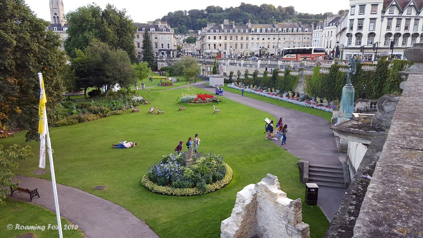 Gardens and ruins in Bath