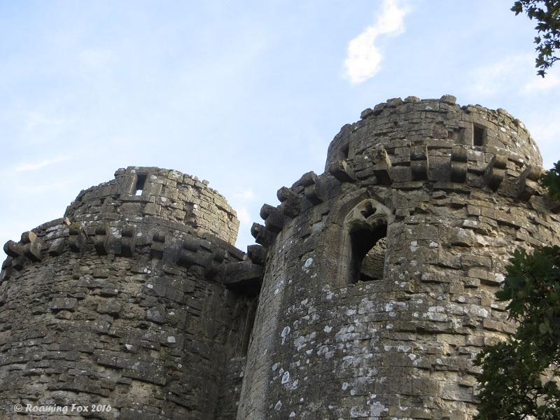 Turret ruins Nunney Castle.JPG