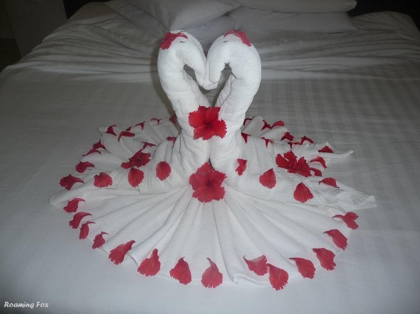 Towel art swans Club Med Kani Maldives