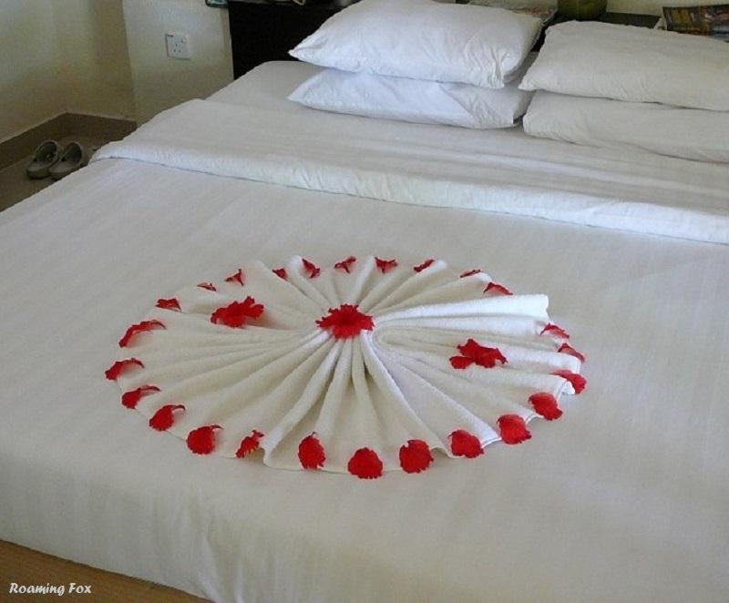 Creative towel art around the world-Club Med Kani Maldives