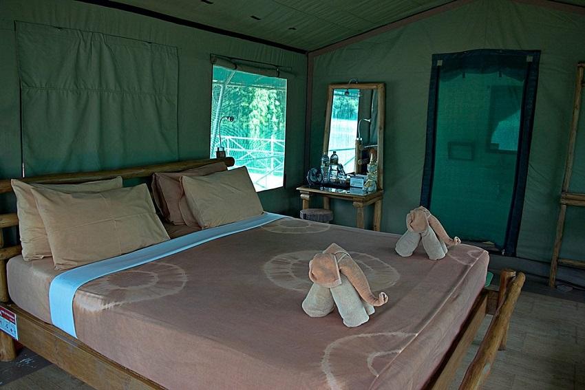 Towel-art-Lake-Camp-Coleman-Concierge