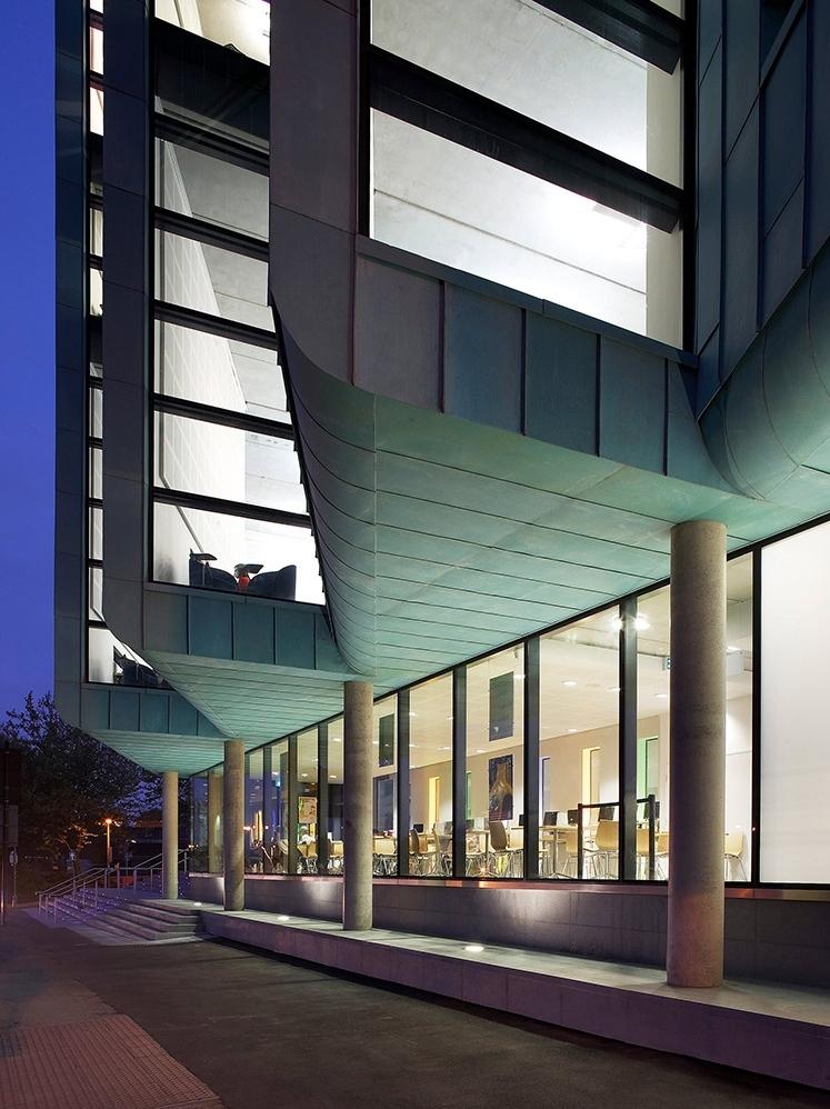 <b>Information Commons</b> | The University of Sheffield