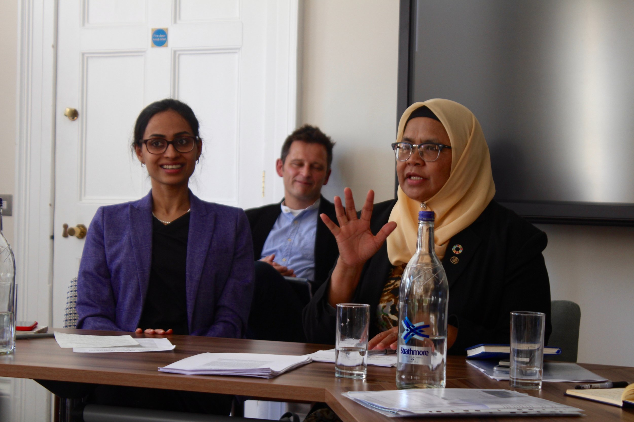UN-Habitat Executive Director Maimunah Mohd Sharif, right, outlined findings from her initial meetings with city leaders from around the world. Dr. Radhika Khosla (left), Research Director of the Oxford India Centre for Sustainable Development, moderated the roundtable.