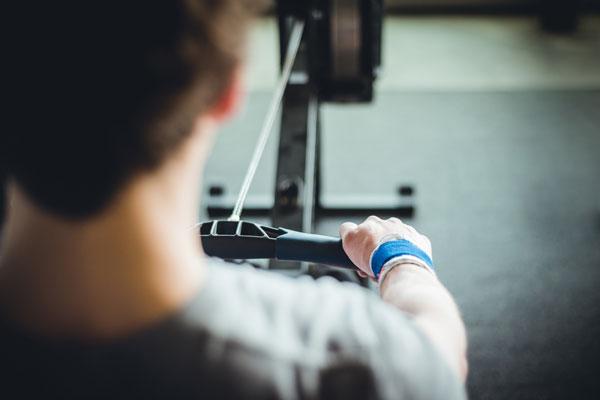 È importante monitorare la zona cardio di lavoro durante l'allenamento intenso in palestra
