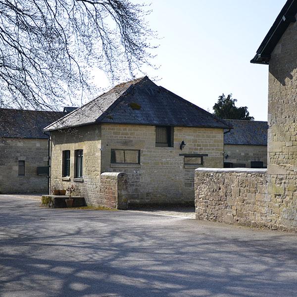 manor-farm-livery-teffont-magna-services-1.jpg