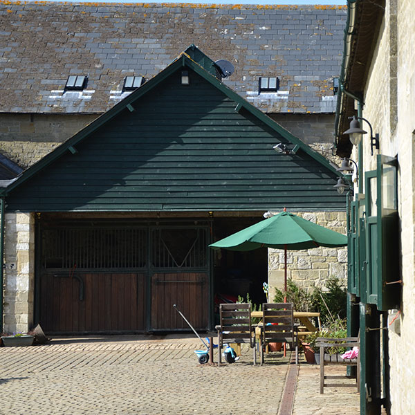 manor-farm-livery-teffont-magna-services-3.jpg