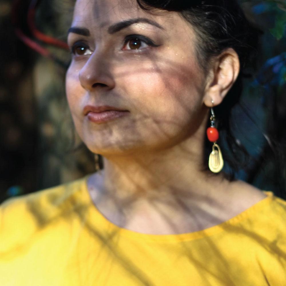 Sister Sai  #music #multiinstrumentalist #experimental #loopbased #improvisationalcompositions #meditative   sistersai.com