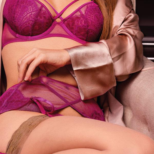 Bow Boudoir Photo  $100 Off Basic Photo Package #celebrateyoursexy #beauty #bondage #boudoir   bowboudoirphoto.com