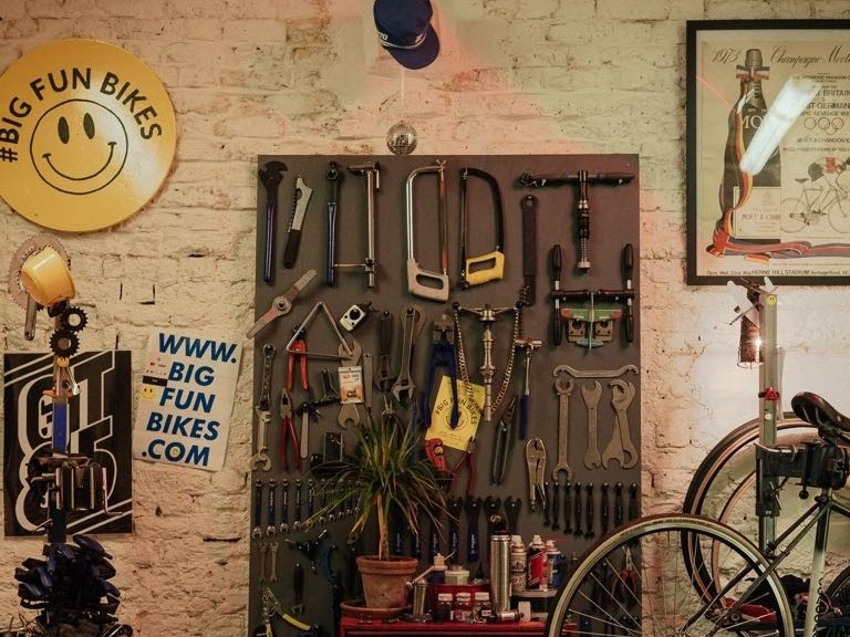 bike-workshop-speedy-fix-hackney.jpg