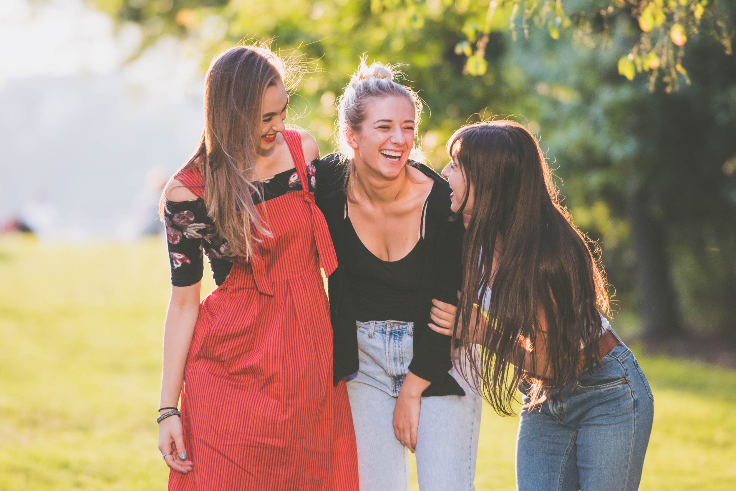 Girls laughing - lifestyle - Photo credit Nicola Bailey.jpg