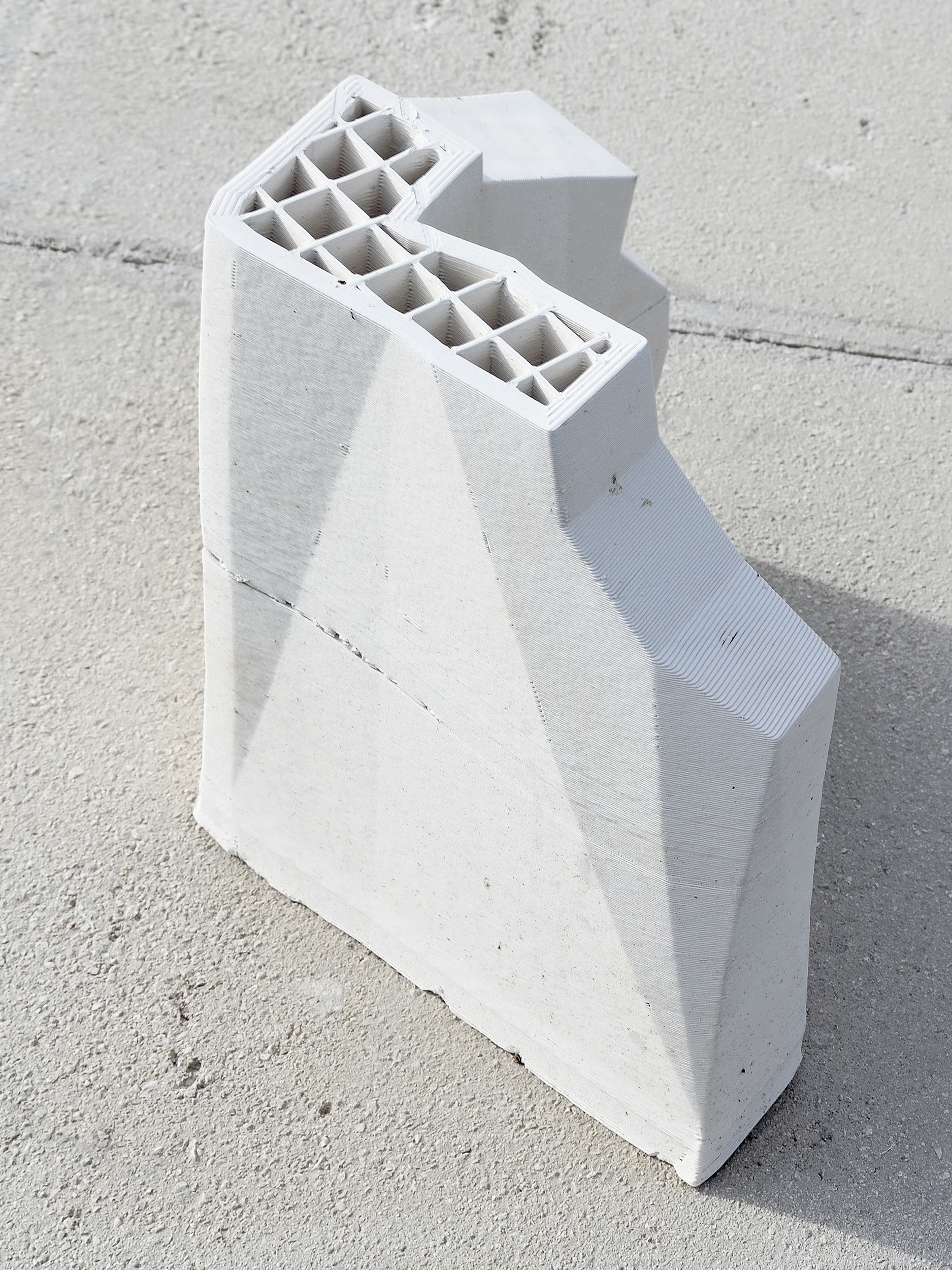 Cloud/native , 3D printed ceramic replica, cement