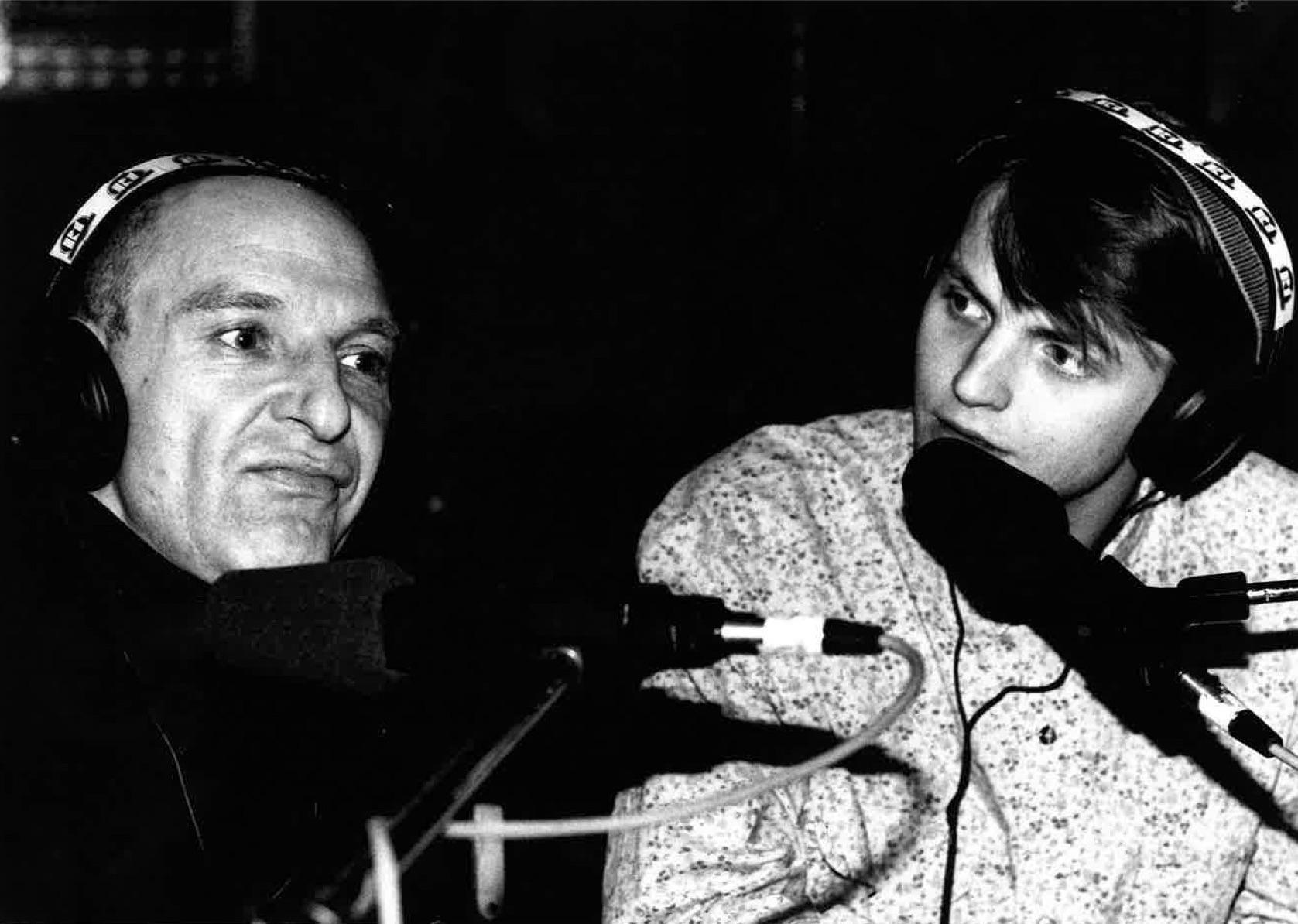 Ettanin tiedotustilaisuus Hurriganesin paluun tiimoilta 1988.  Kuva: Kari Kuukka