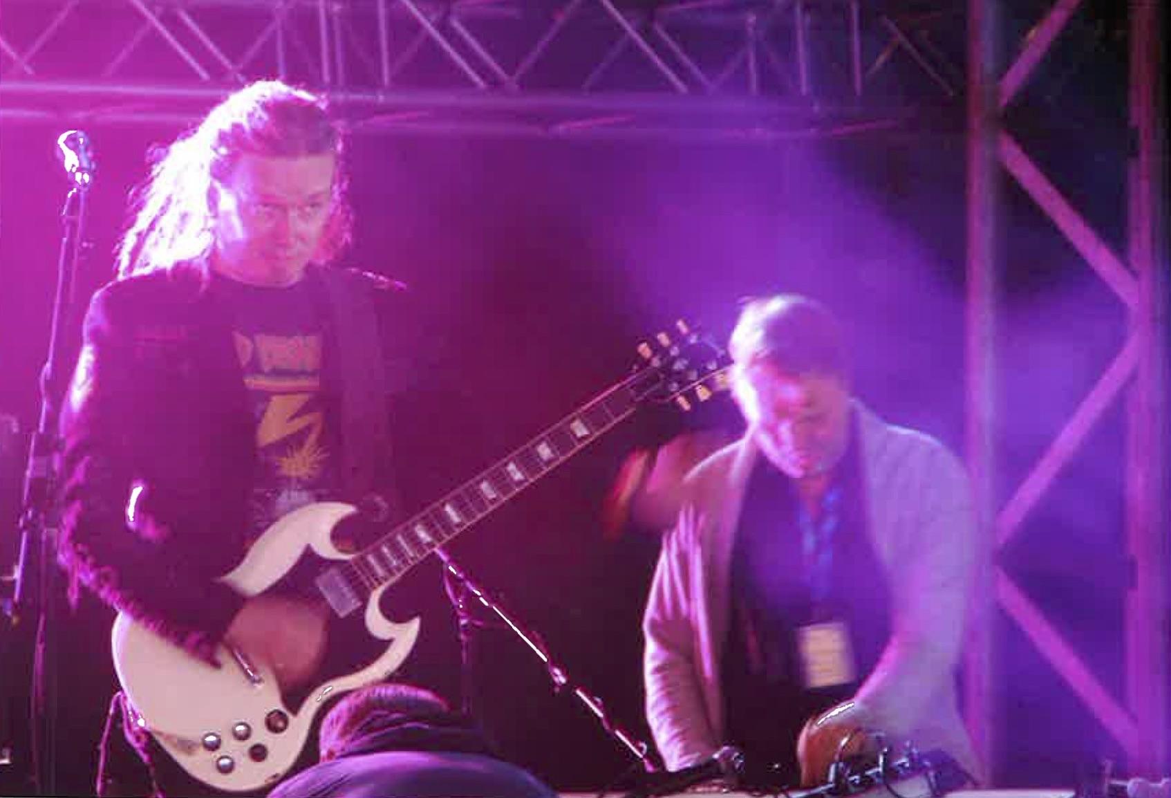 Kingston Wall Freak out –keikalla Rusirockissa kitaristi Linden kanssa.  Kuva: Hannu Lappalainen
