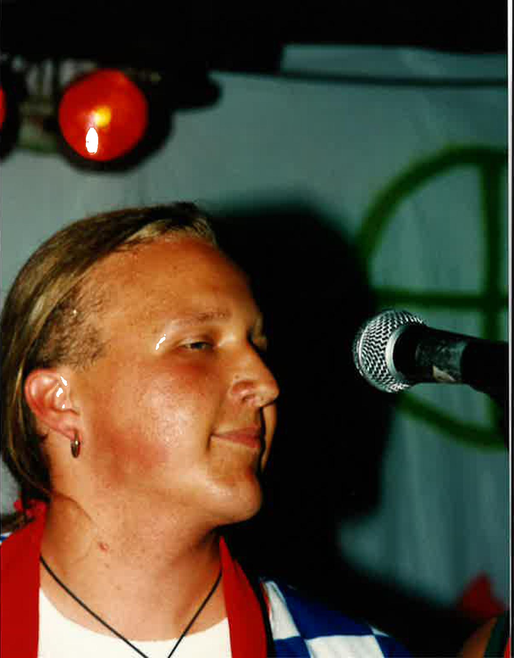 Mika Väyrynen / Heads & Bodies Bar Maryssä kesä 1995.