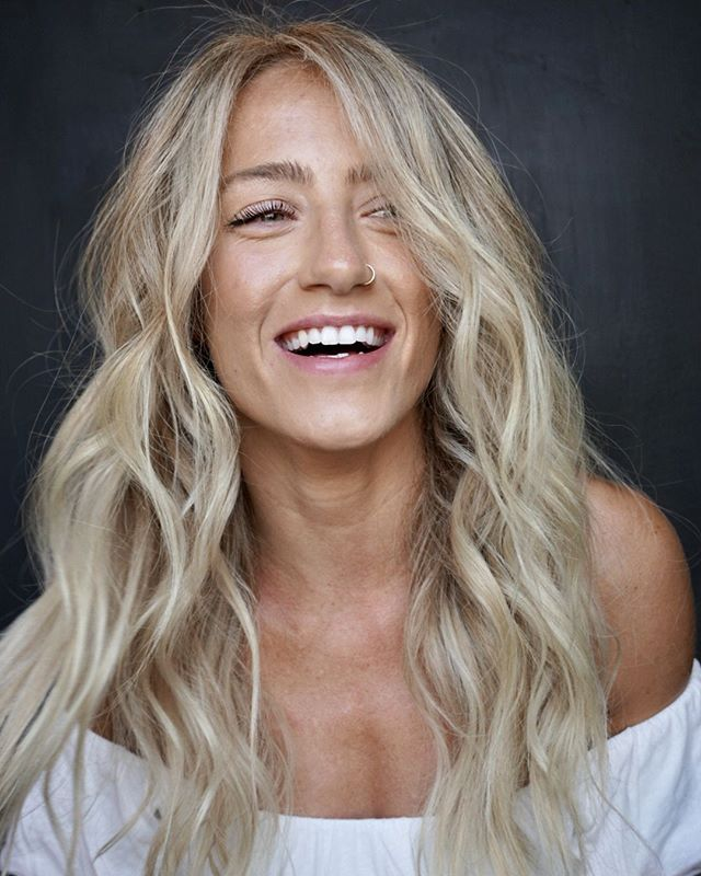Who thinks blondes have more fun?? 🔆hair by ➡@bohobritt - achieved this look with lived in highlights ⁣ •⁣ •⁣ •⁣ •⁣ •⁣ #studio285 #285girl #285hair  #boho #bohobritt #beachedbybritt #modernsalon #behindthechair #highlights #augustahair #atlantahair #miamihair #newyorkhair