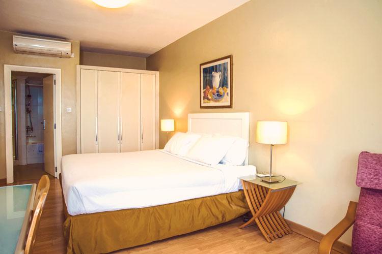 1-Bedroom---King-Bed-(1).jpg