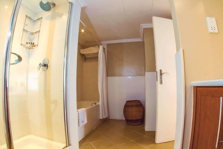 Bathroom-1-bedroom.jpg