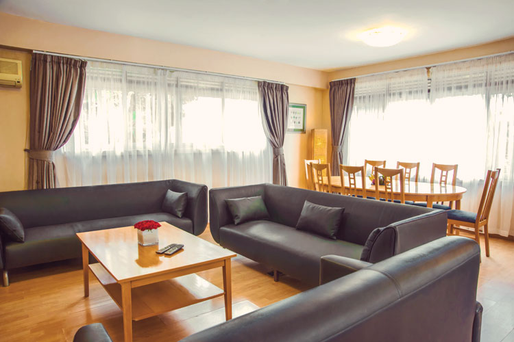 Living-Room-1-Bedroom.jpg