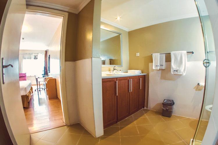 Master-Bathroom---2-Bedroom.jpg