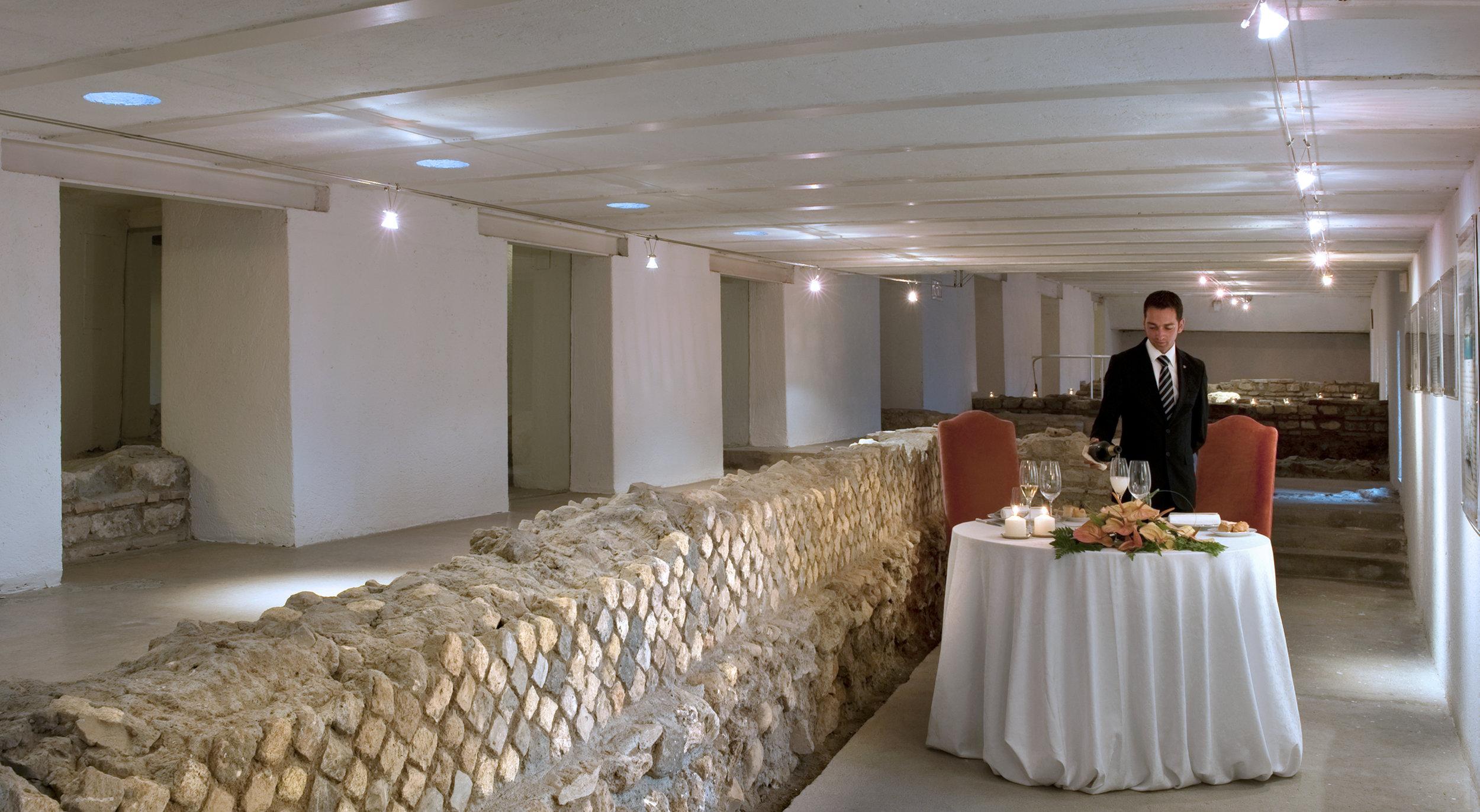 Dinner at Roman Museum.jpg