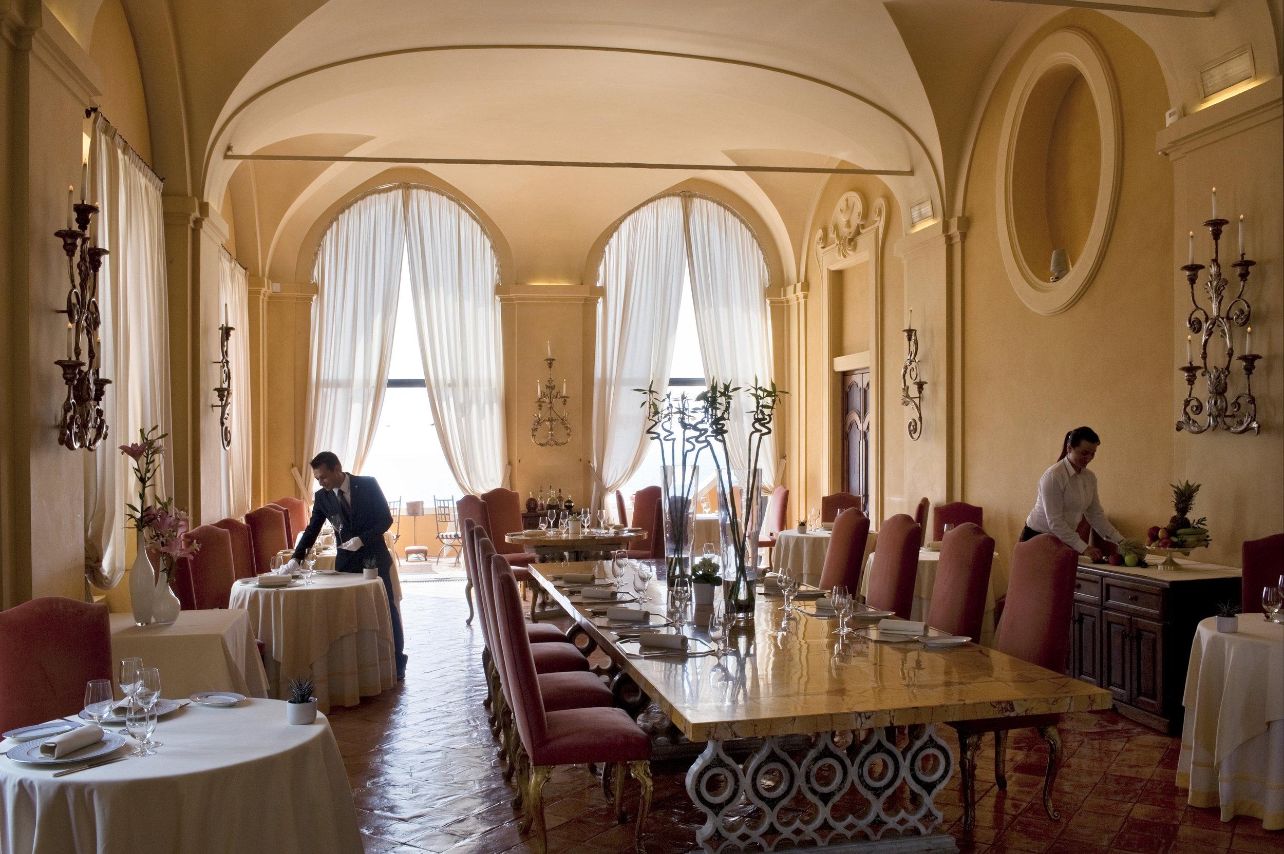 The Cesar Restaurant, Internal View 5.jpg
