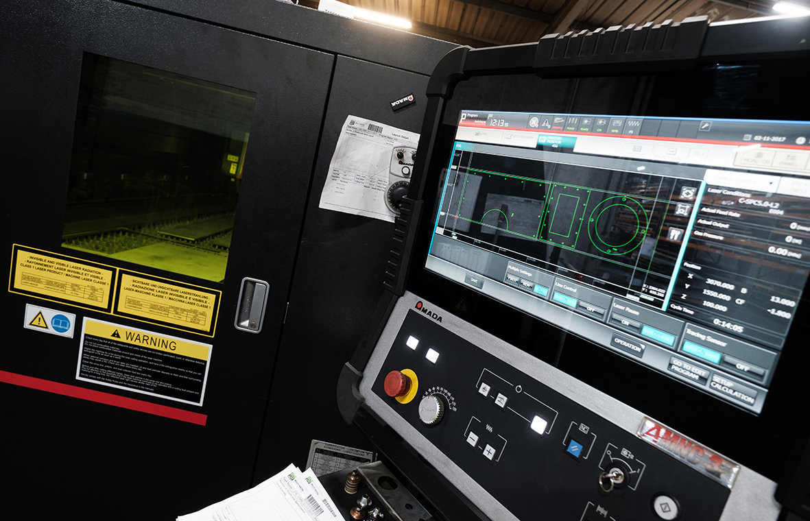 Fibre laser control panel